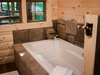 treehouse-1-tub.jpg