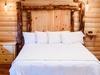 tree-house-5-king-bed.jpg