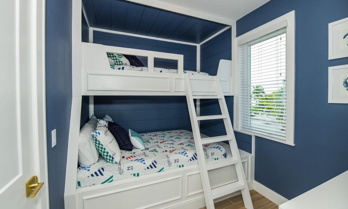 Bedroom 4, Pirate's Cove - AMI Locals