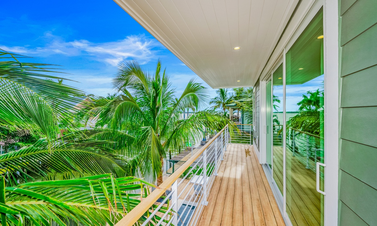 Deck overlooking the Pool, Pirate's Cove - AMI Locals