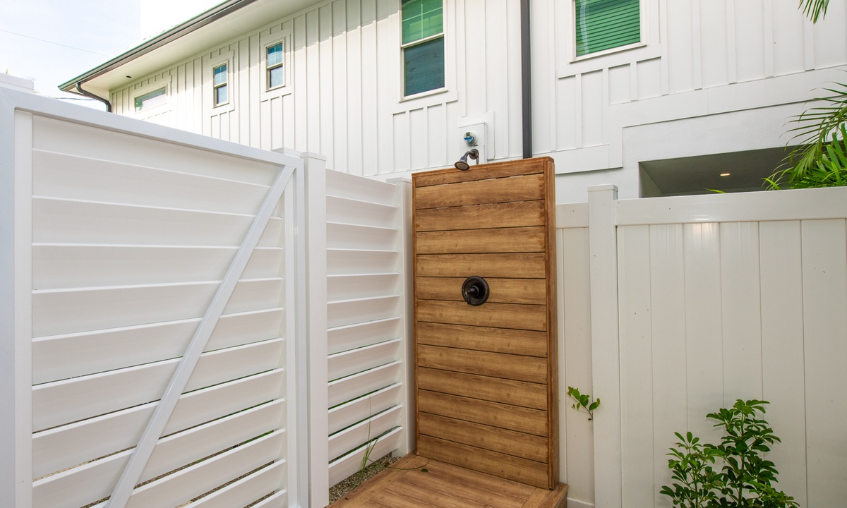 Outdoor Shower, Pirate's Cove - AMI Locals