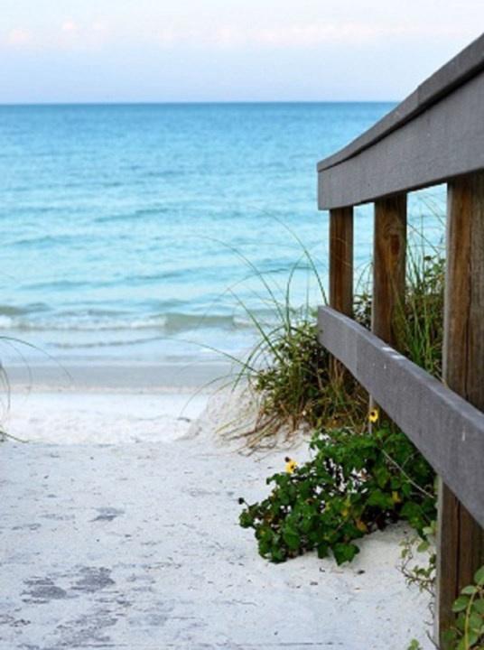 Cottage #4, 6West Beach Cottages - AMI Locals