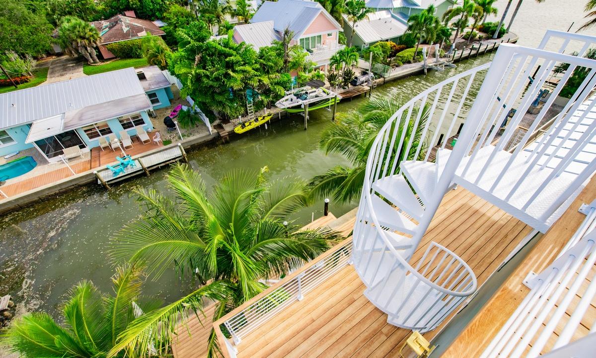 Canal Views, Pirate's Cove - AMI Locals