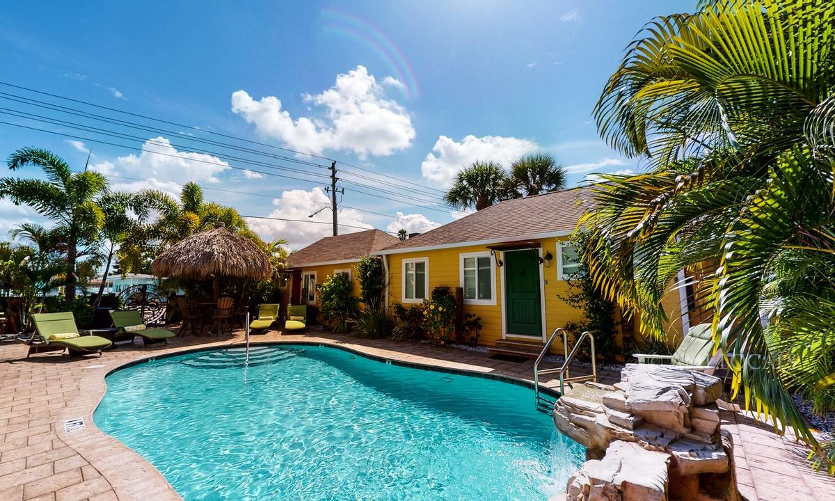 Unit #3 - 6West Beach Cottages