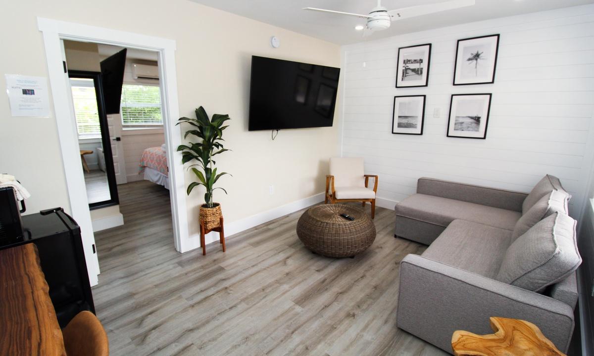 Pelican Post #6 - One Bedroom Suite
