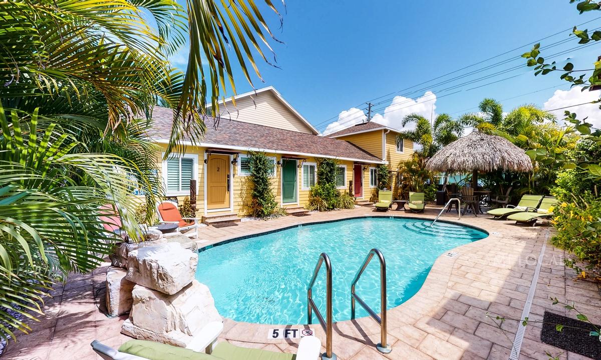 Unit #5 - 6West Beach Cottages