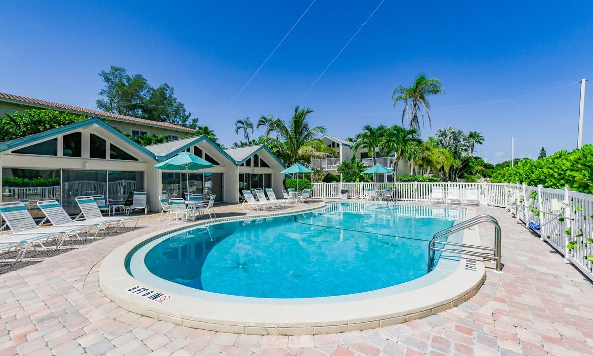 Coconuts Poolside #115 - AMI Locals