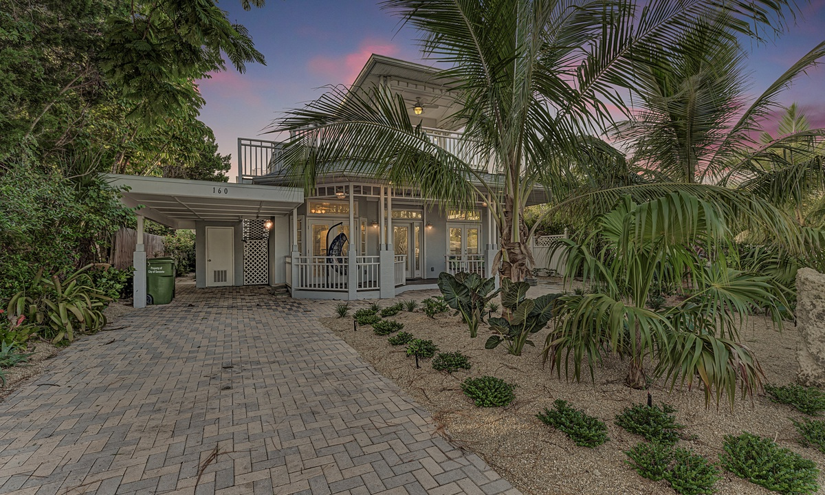 The Cottage on Lido Key- AMI Locals