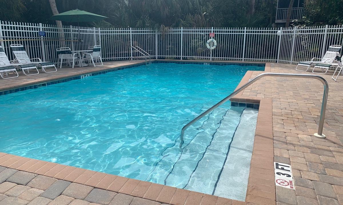 Casa Azul Beach Retreat Community Pool - AMI Locals