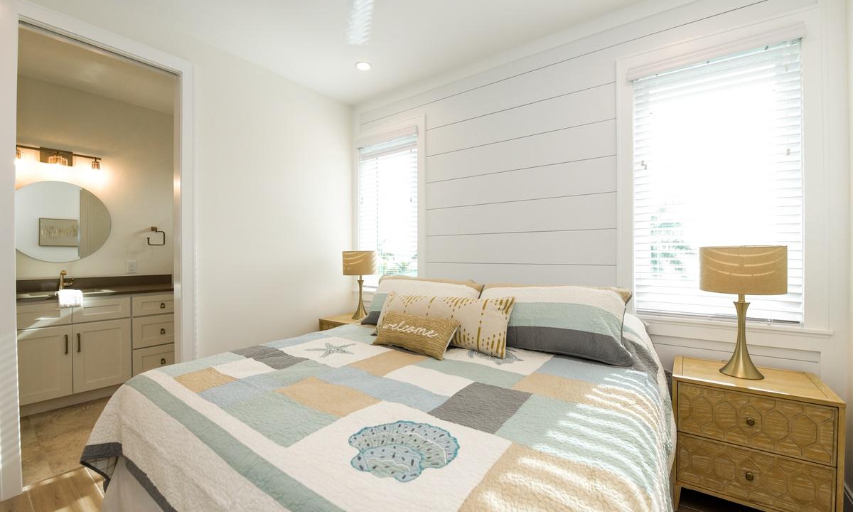 Bedroom 5, Pirate's Cove - AMI Locals