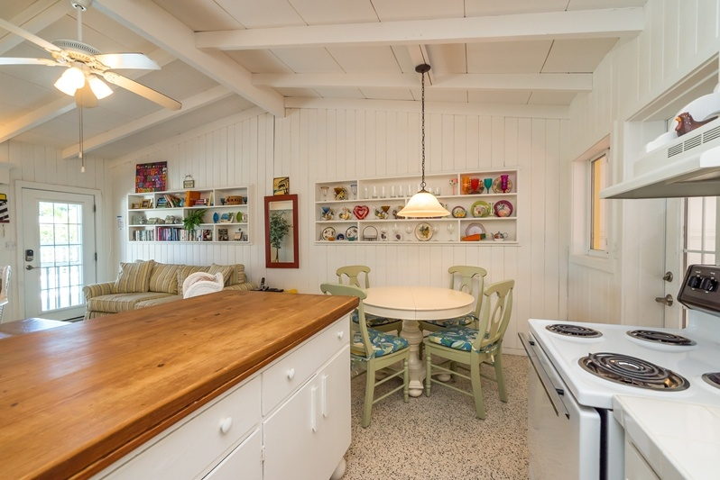 Yellowbird Cottage-AMI Locals