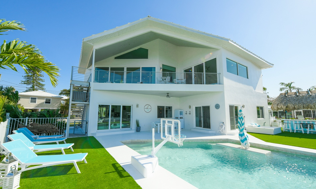 Island Life Villa