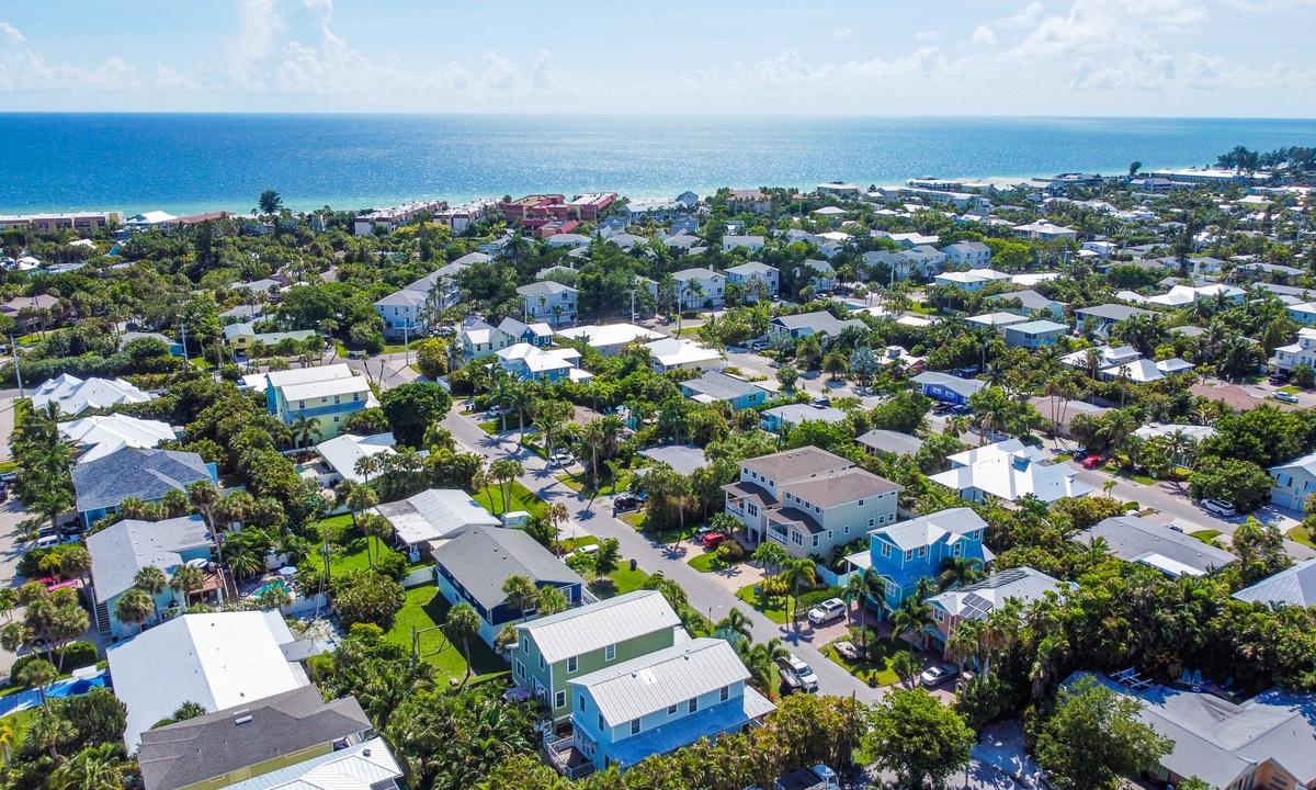 Casa Playa - AMI Locals