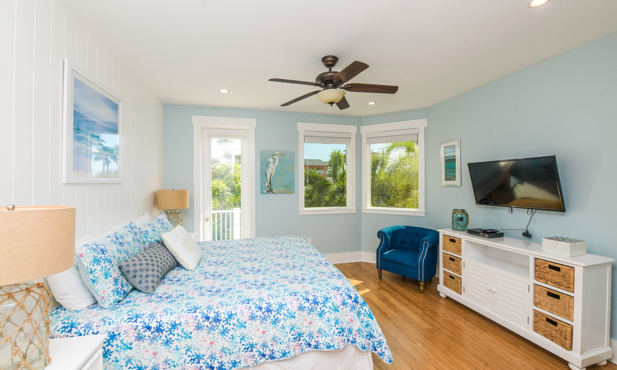 Bedroom 3, Coconut Cove - AMI Locals