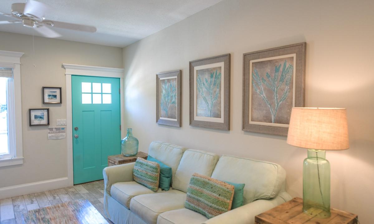 Living Room, Bayside Cutie - AMI Locals