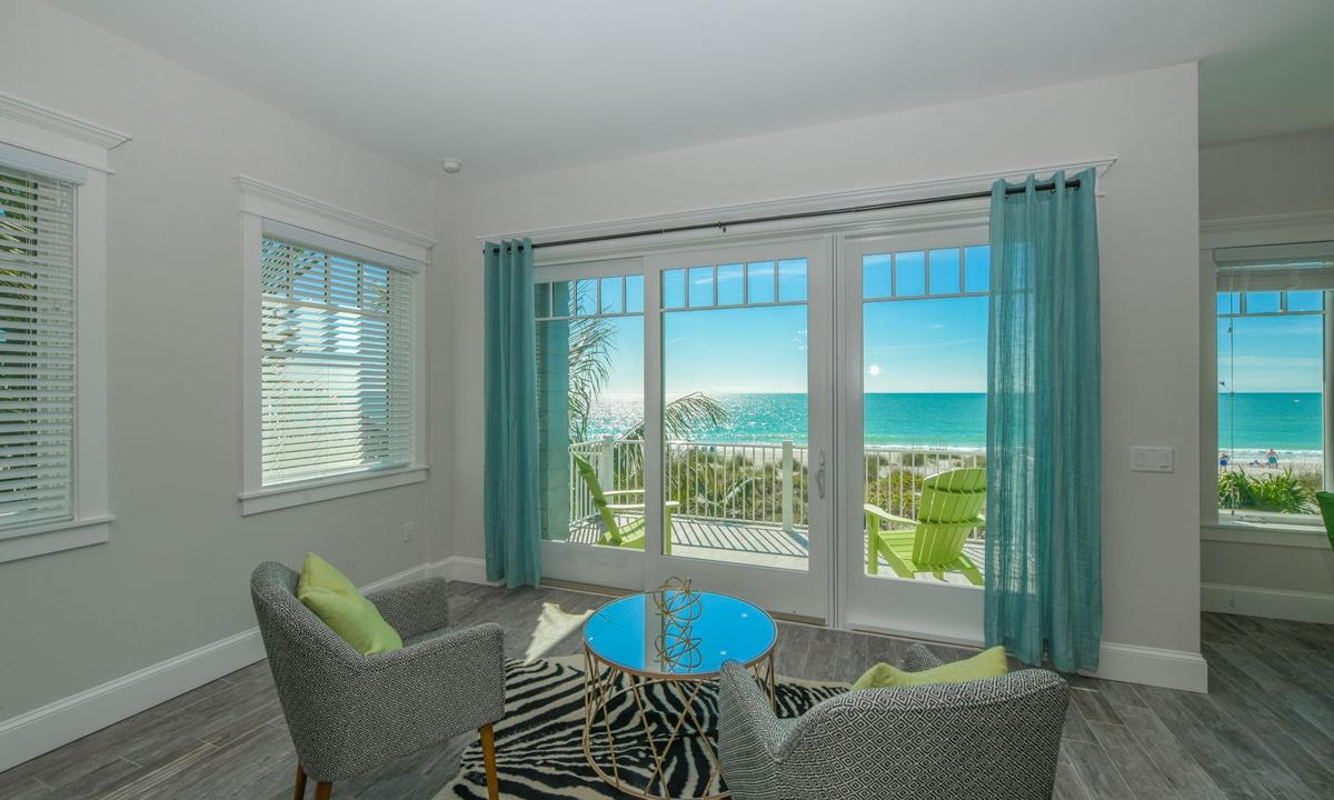 Views, Beachfront Paradise - AMI Locals