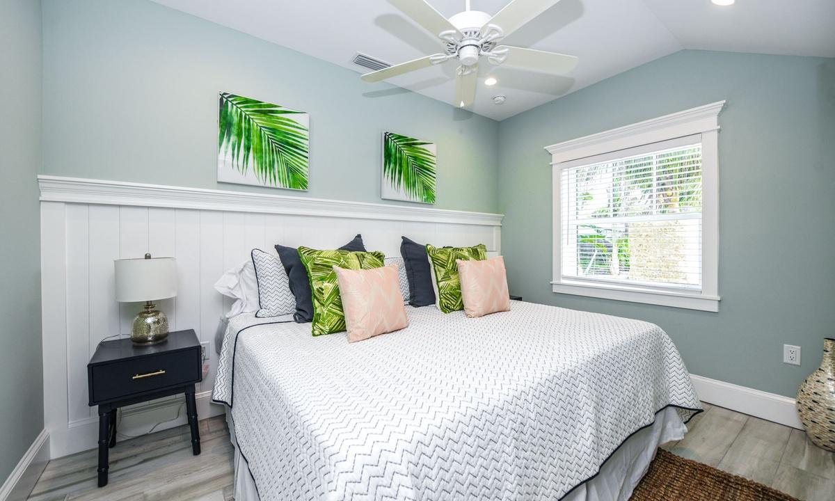 Master Bedroom, Villa Seashell - AMI Locals
