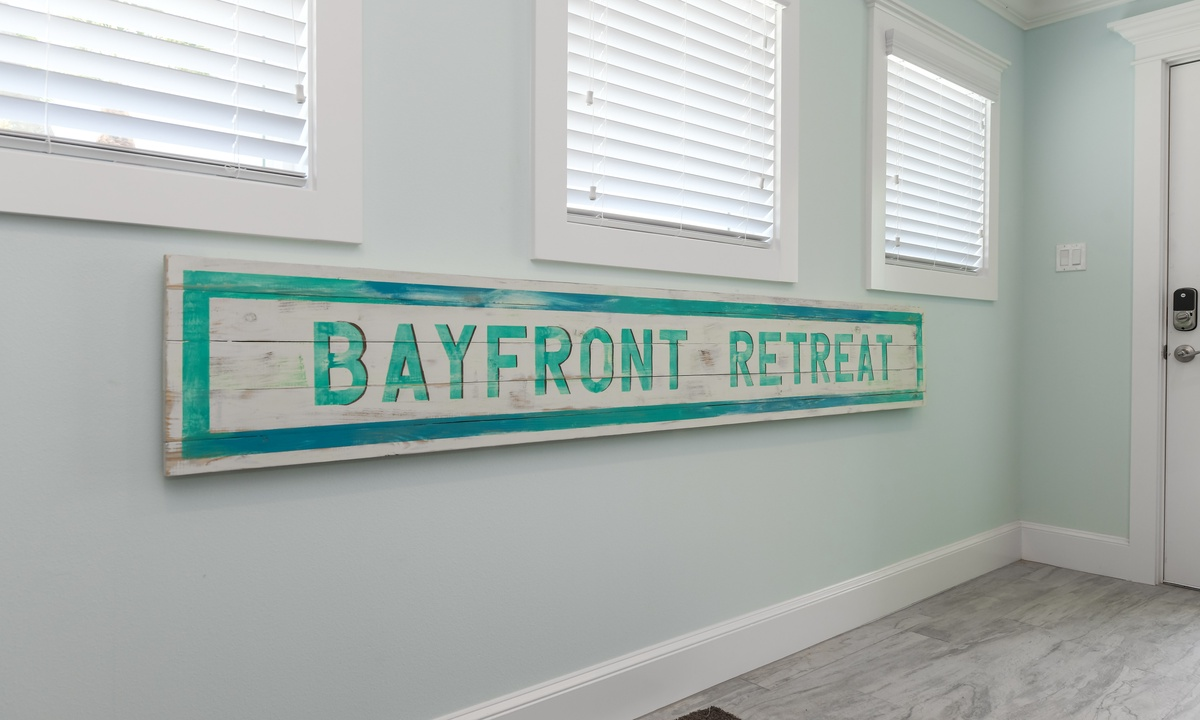 Bayfront Retreat - AMI Locals