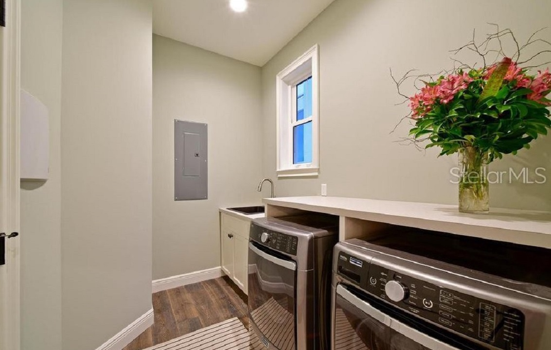 Laundry Room with Washer and Dryer, AM I Dreaming - AMI Locals