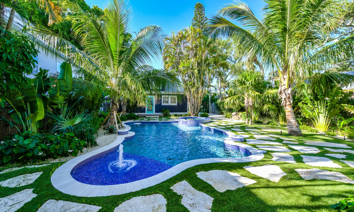 Pool and Backyard, Blue Pearl - AMI Locals