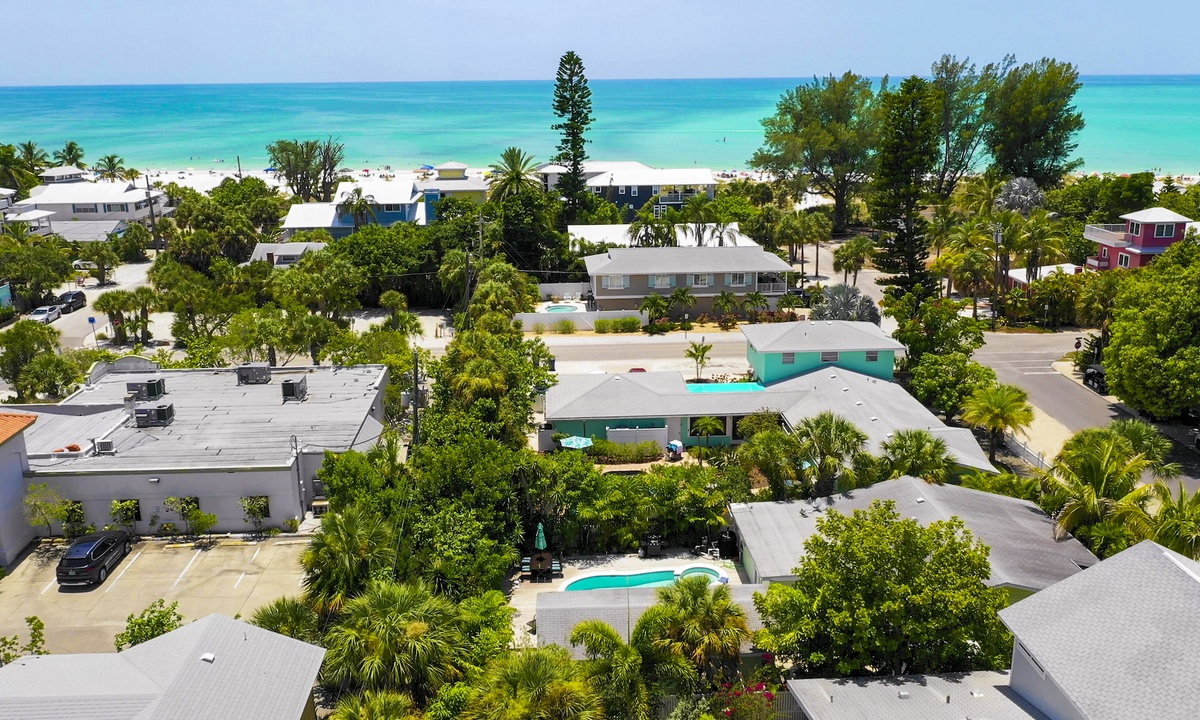 Beach Breeze - AMI Locals