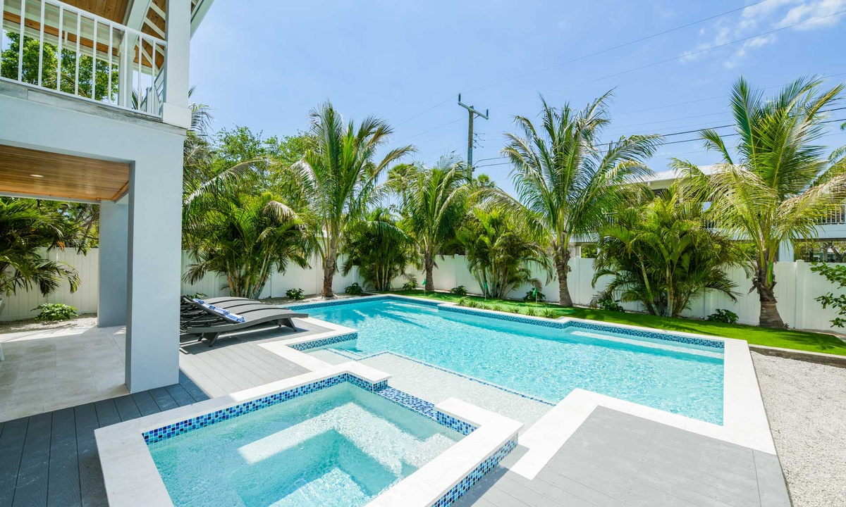 Pool and Spa, Anna Maria Beach House - AMI Locals