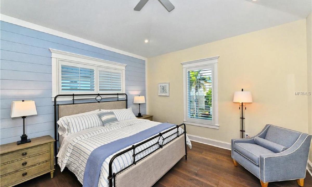 Bedroom 3, Seascape - AMI Locals