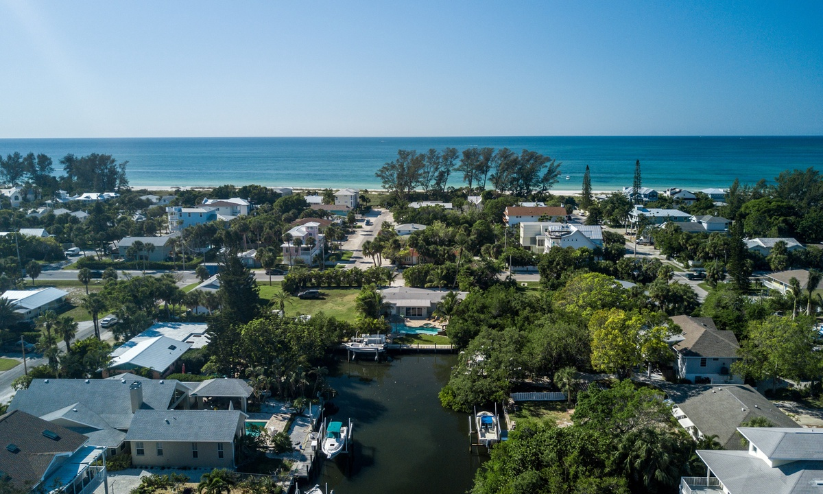 Tortuga Bay - AMI Locals