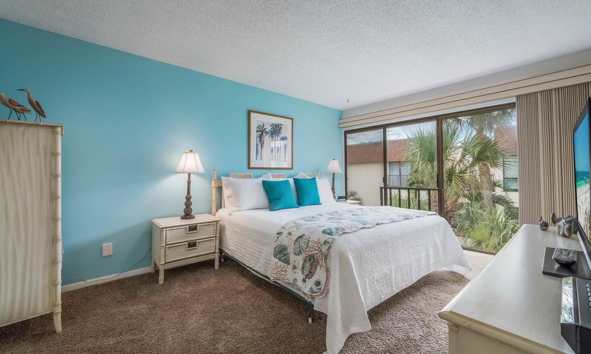Master Bedroom, Water's Edge 205 - AMI Locals