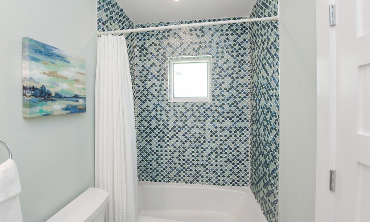 Ensuite Bathroom to Bedroom 4, Last Resort - AMI Locals