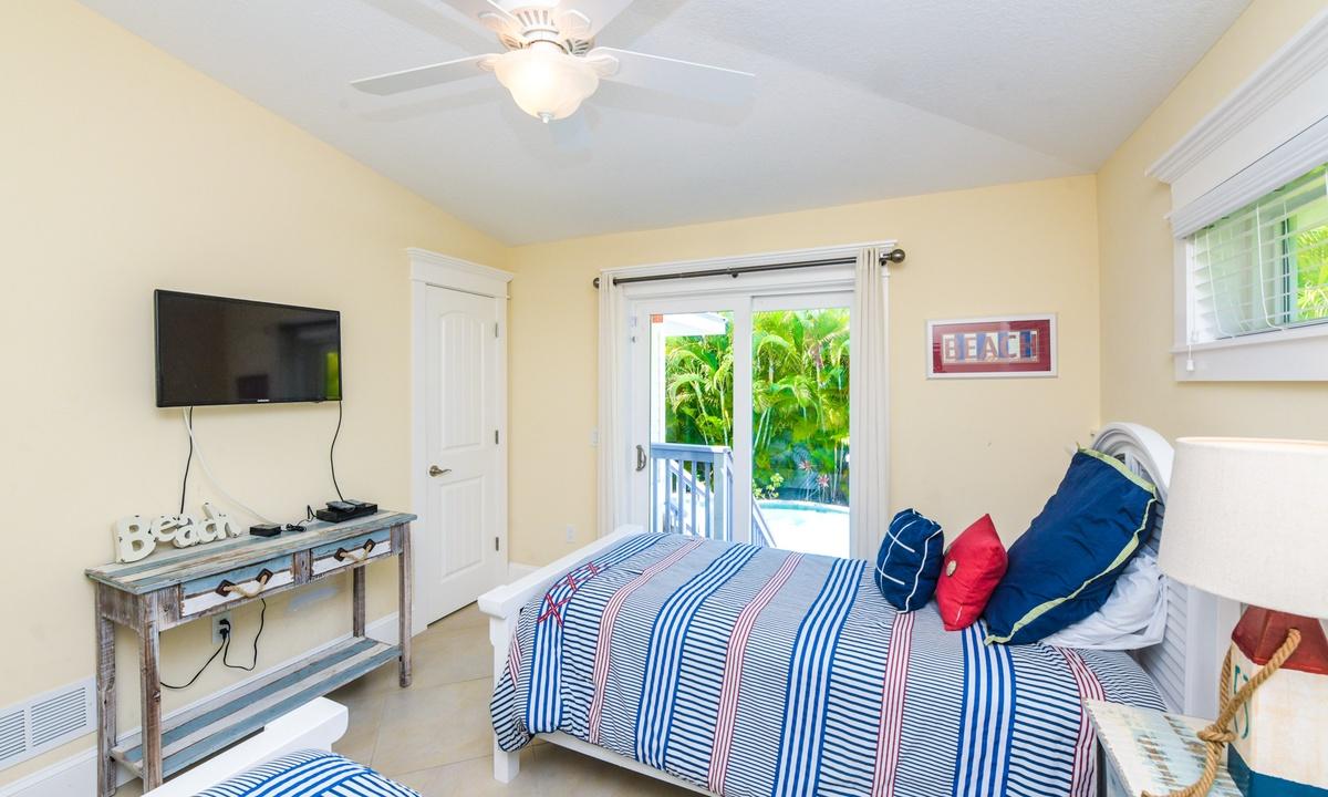 Bedroom 2, Gulf Breeze - AMI Locals