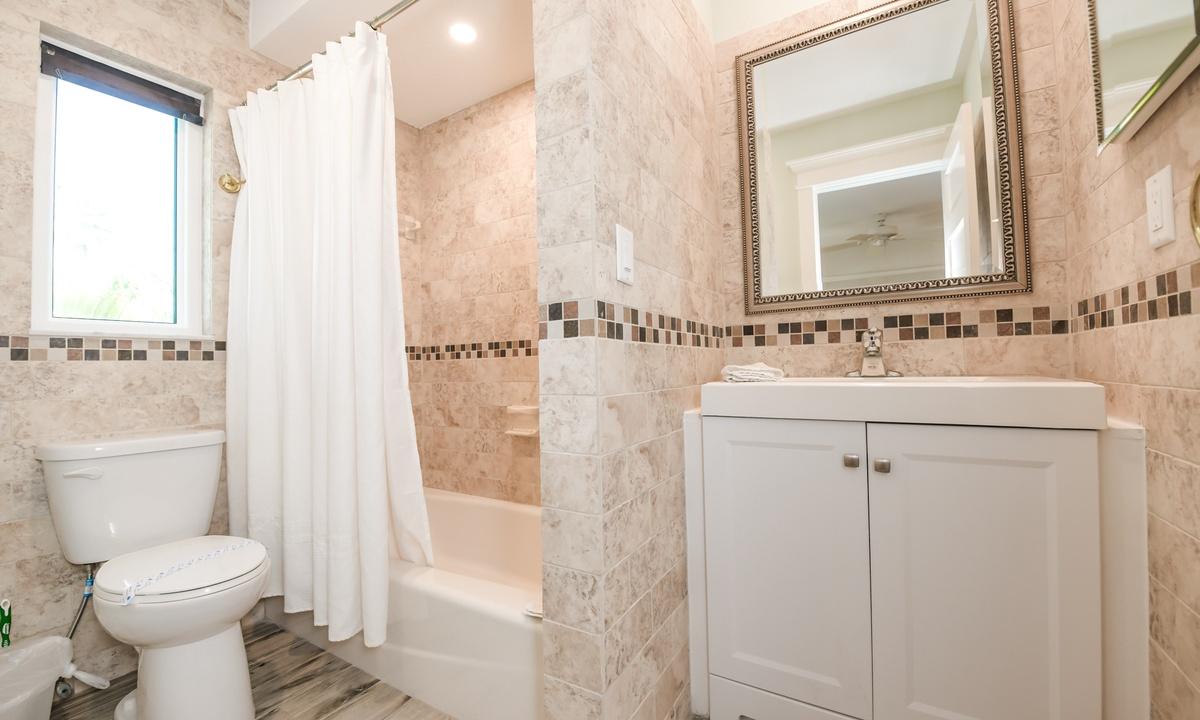 Hallway Bathroom, Barefoot by the Bay - AMI Locals