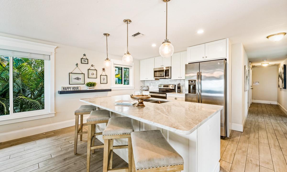 Kitchen, Bay Vista - AMI Locals