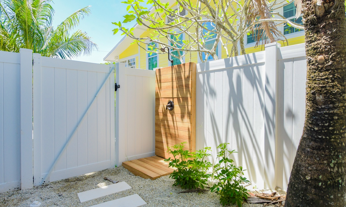 Outdoor Shower, Sea Forever - AMI Locals