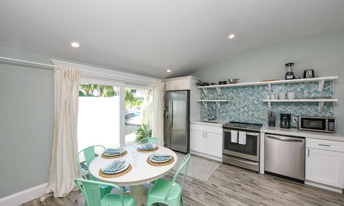 Dining and Kitchen, Villa Limefish - AMI Locals