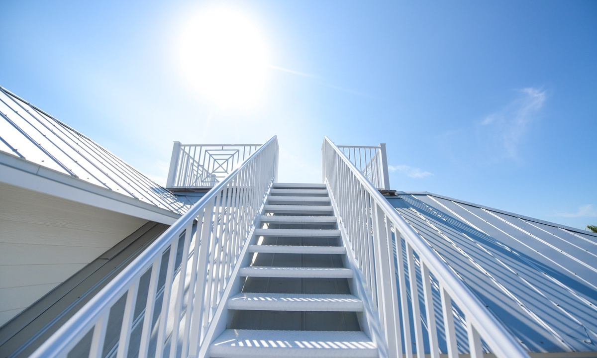 Stairway to the Rooftop Deck, Coconut Cove - AMI Locals