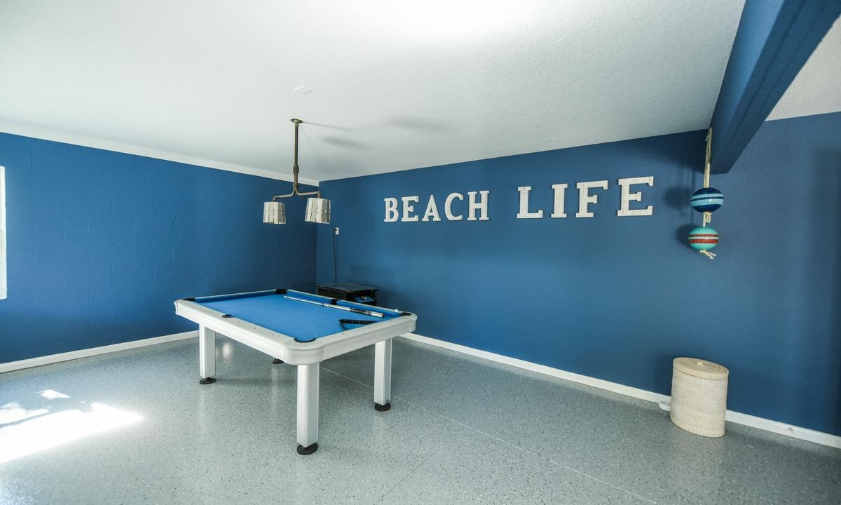 Pool table, Castaway Cove - AMI Locals