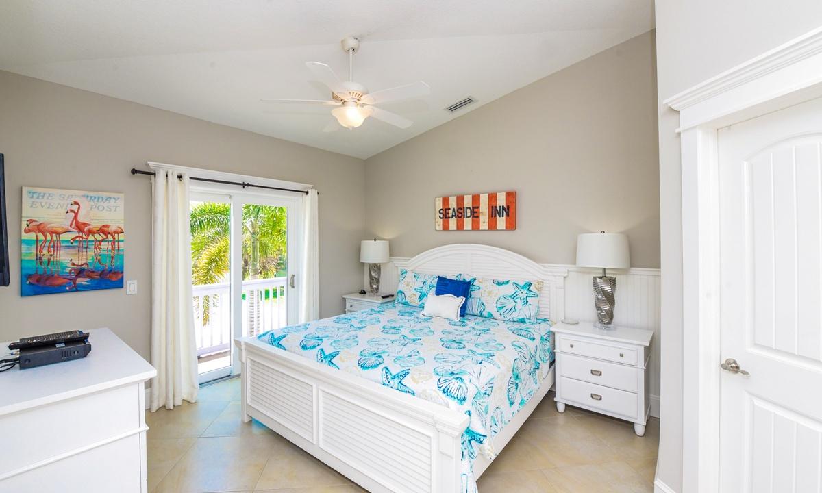 Bedroom 3 (Master), Gulf Breeze - AMI Locals