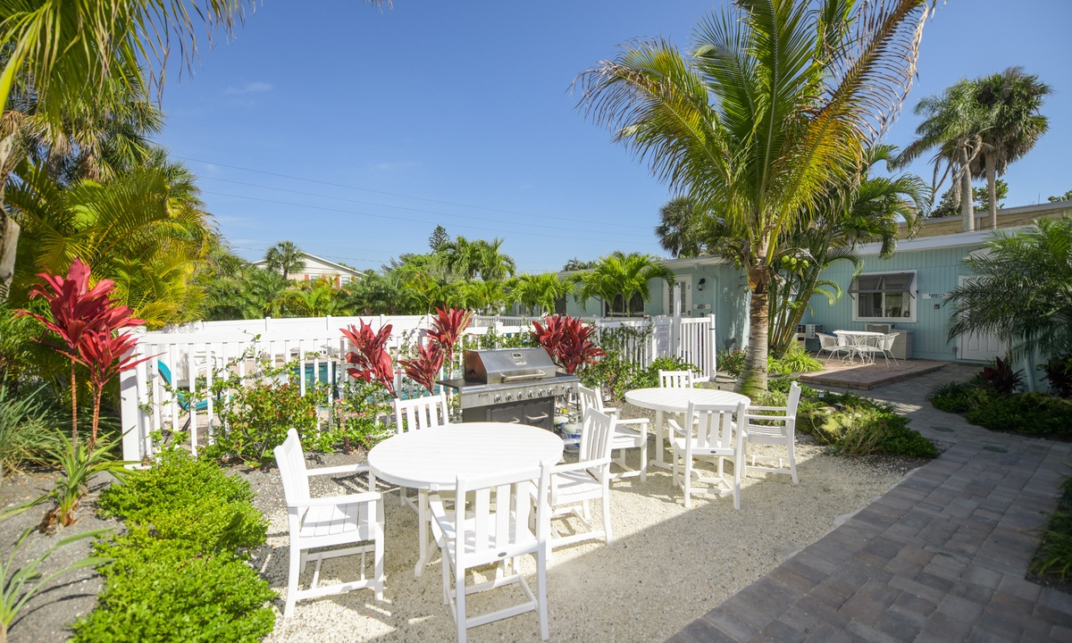 Outdoor Patio and Shared BBQ Grill, Sandpiper Suite at Driftwood - AMI Locals