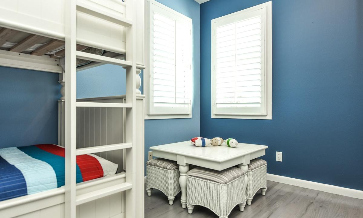 Bedroom 3, Castaway Cove - AMI Locals