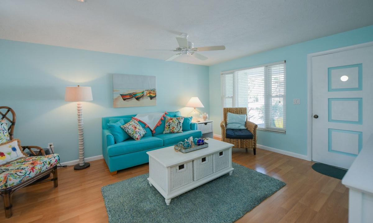 Living room, Dockside Paradise - AMI Locals