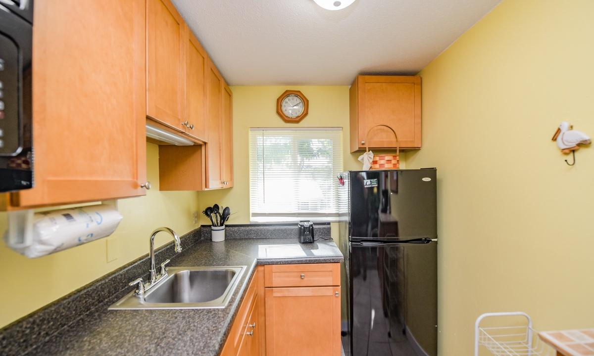 Kitchen, Lazy Livin' - AMI Locals