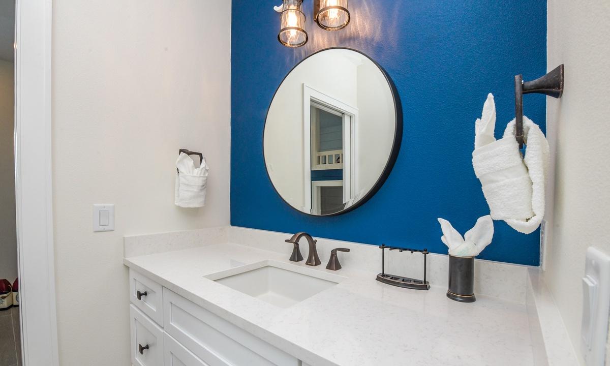 Ensuite Bathroom to Bedroom 5 & 6, Sea Forever - AMI Locals