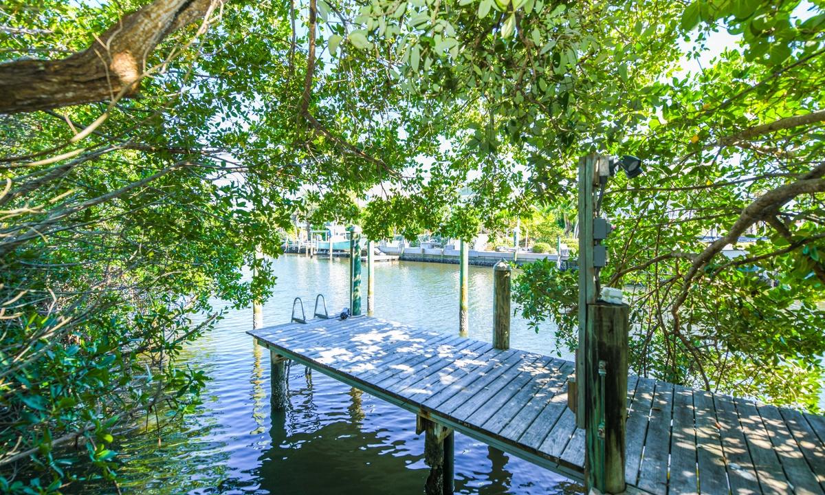 Dock, Castaway Cove - AMI Locals
