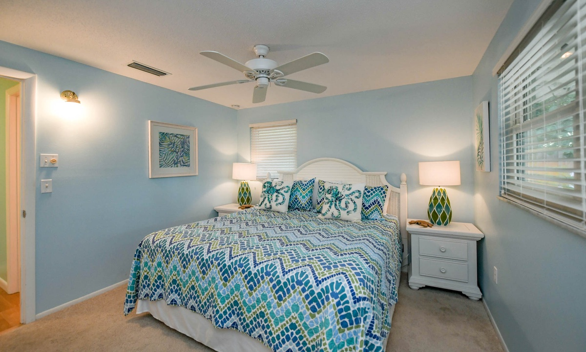 Master bedroom, Dockside Paradise - AMI Locals