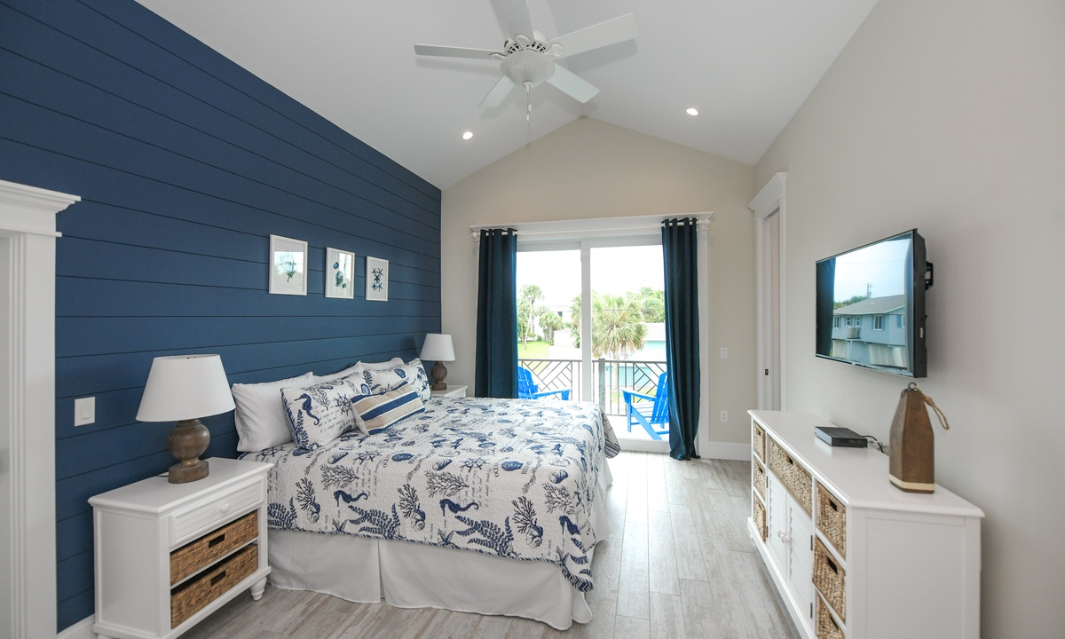 Bedroom 1 (Master), Blue Marlin - AMI Locals