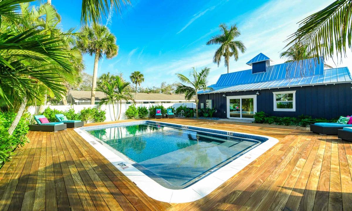 Shared Pool, Villa Limefish - AMI Locals