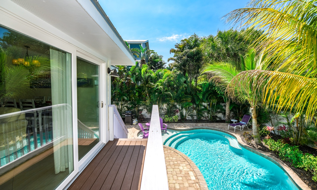 Deck overlooking the Pool, Sea Breeze - AMI Locals