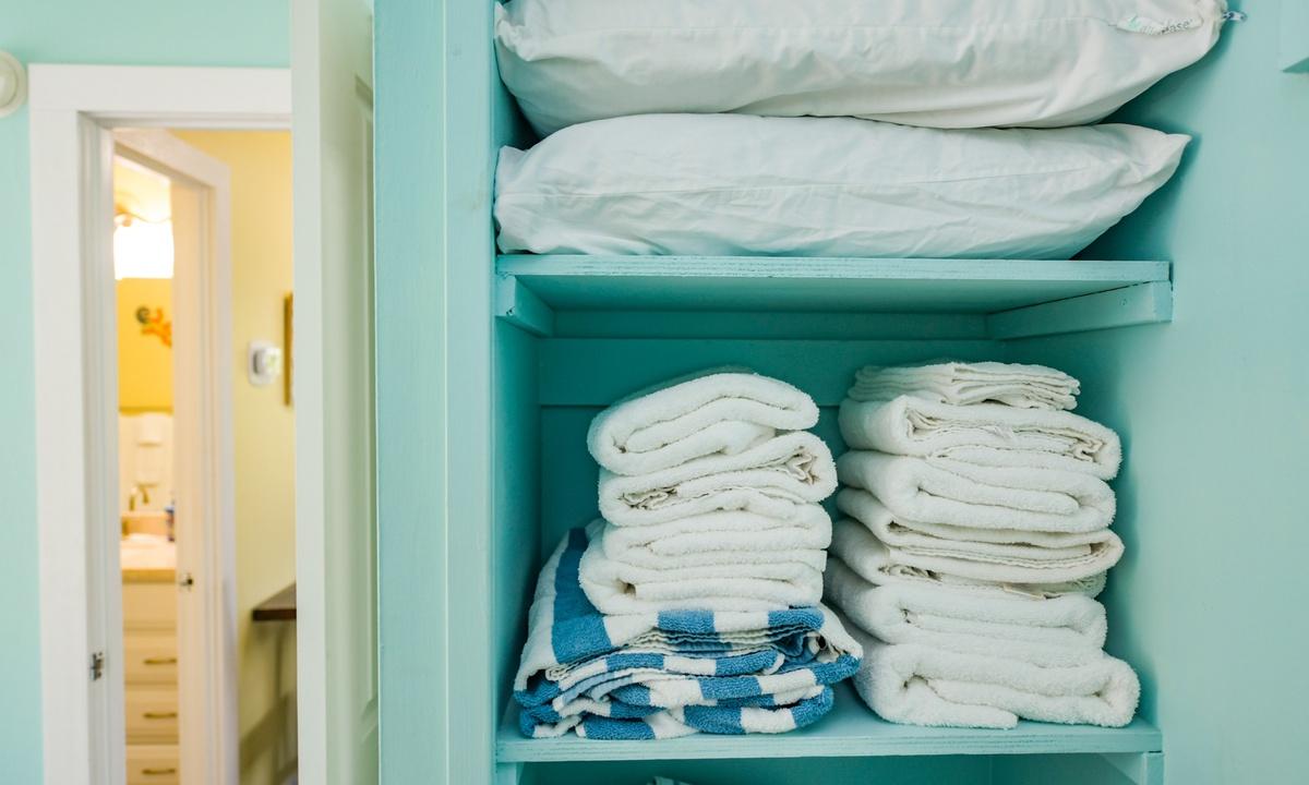 Linen closet with beach towels!, Lazy Livin' - AMI Locals