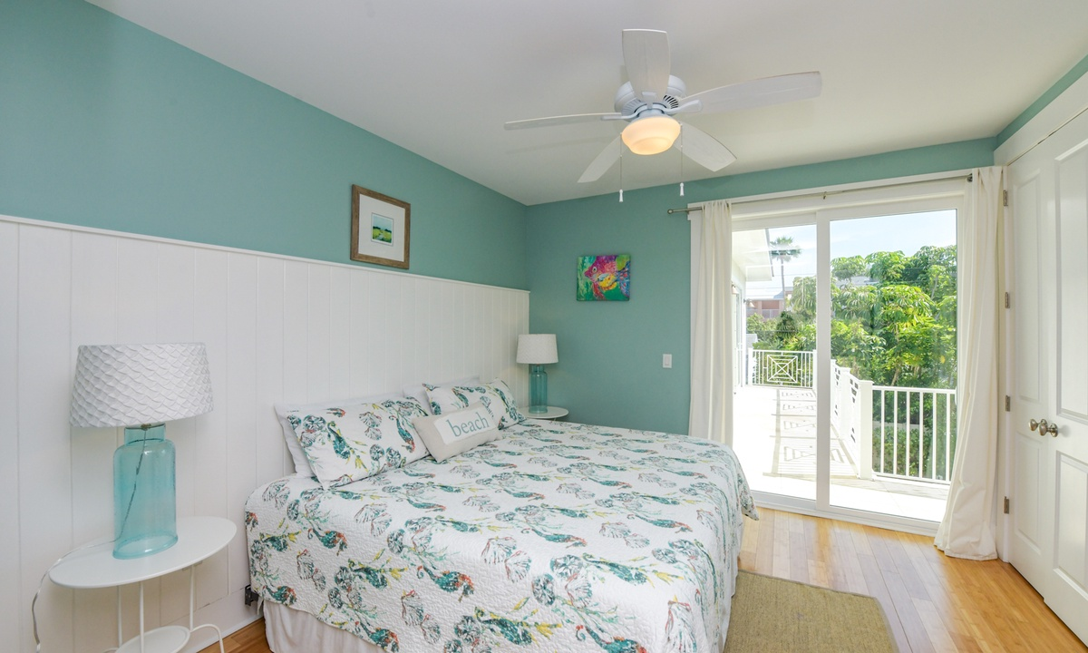 Bedroom 1, Coconut Cove - AMI Locals